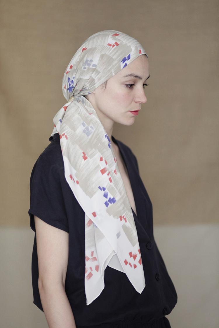 lluvia scarf beige