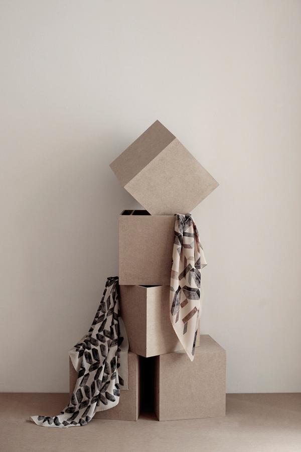 SuTurno Brick scarves