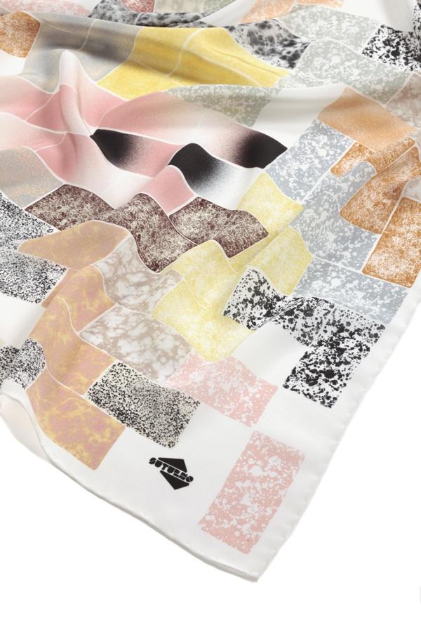 SuTurno Tiles scarf